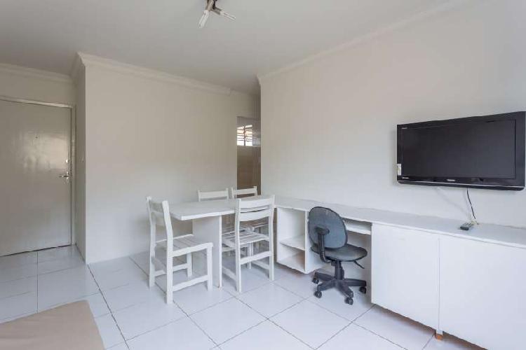 Apartamento mobiliado, 2 quartos, 2 wc, edfº bomirar em boa