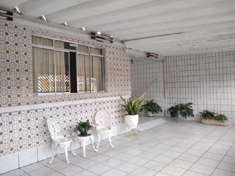 Casa de 2 dormitórios isolada com edícula 200m² jd santa