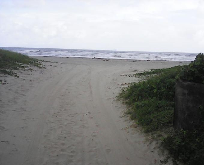 Terreno lado praia com escritura