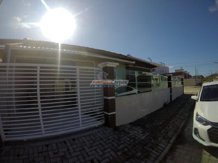 Adriano carpes imoveis vende linda casa geminada com dois