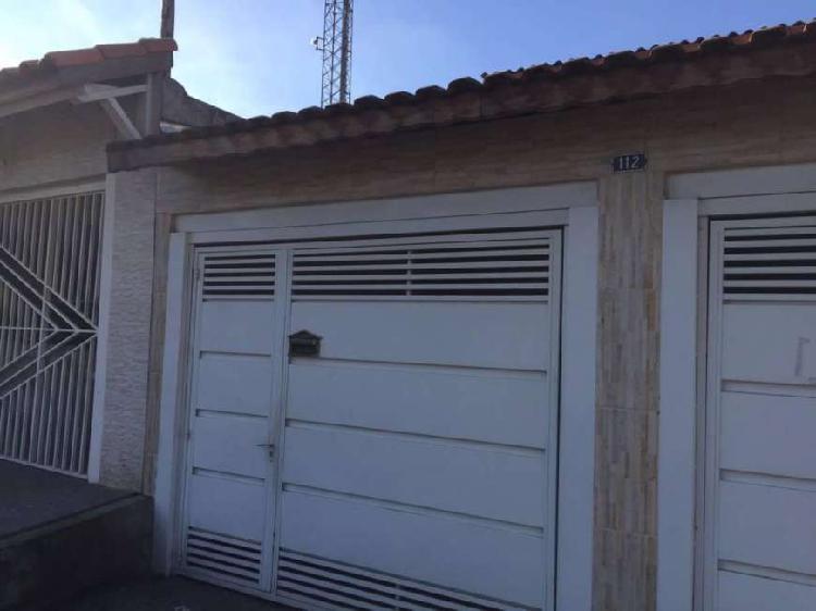 Casa com vaga coberta para aluguel com 40 metros quadrados