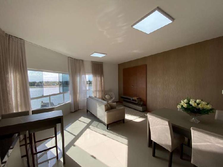 Lindo apartamento mobiliado e decorado de frente para o rio