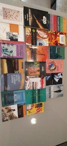 Pacote de livros de vestibular e outros