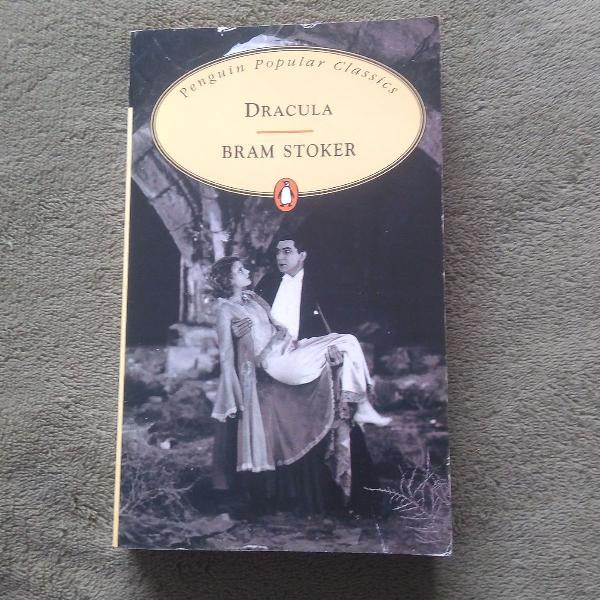 Livro dracula, de bram stoker