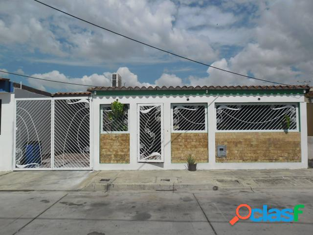 180 m2. casa en venta san joaquín
