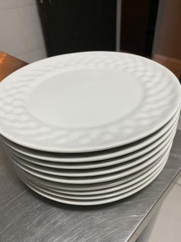 20 pratos raso grande em porcelana