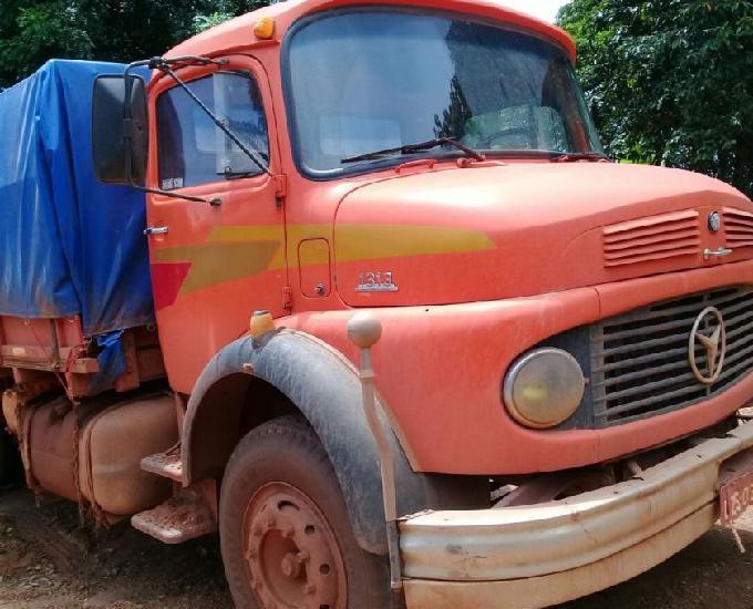 Caminhão graneleiro mercedes benz 1313