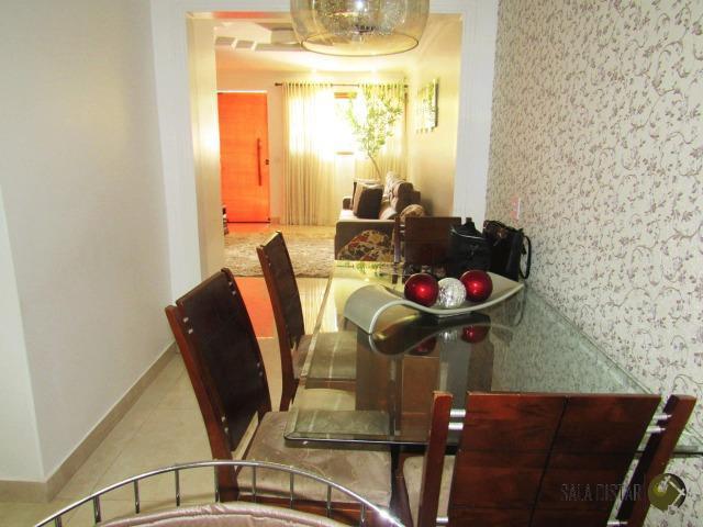 Casa em condomínio fechado,125 m2, 3 q, mobília fixa e