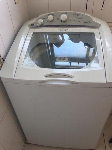 Máquina de lavar roupa com defeito