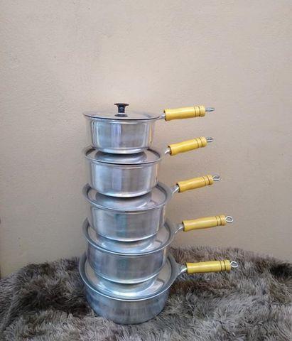 Panela de cabo comprido alumínio fundido 5 peças com tampa