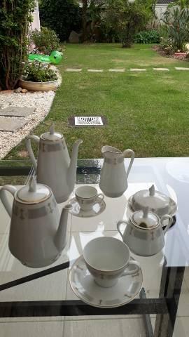 Jogo de jantar, chá e café para 12 pessoas