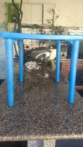 Mesa plastica desmontável