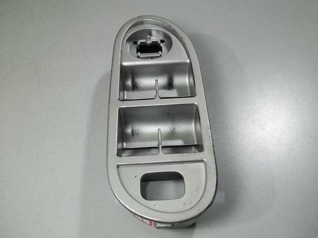 Moldura do comando de vidro elétrico diant. esquerdo jac j3
