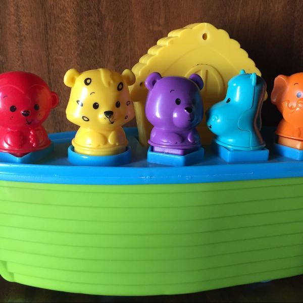 Brinquedo arca de noé musical