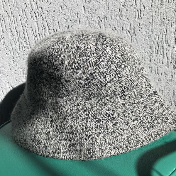 Chapéu acinzentado