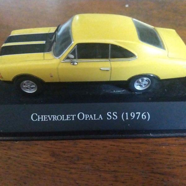 Miniatura carro chevrolet opala 1976
