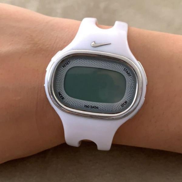 Relógio nike original de acrílico