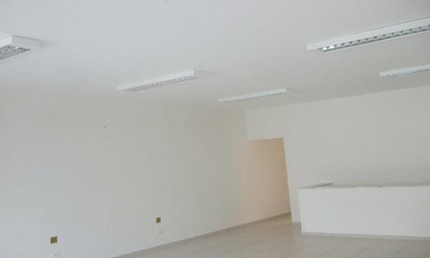 Casa comercial para aluguel possui 180 metros quadrados com