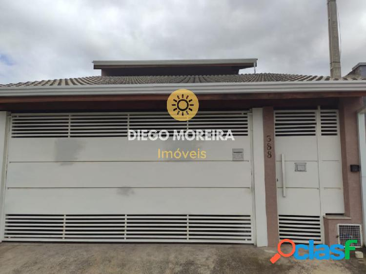 Casa à venda em Atibaia com excelente localização