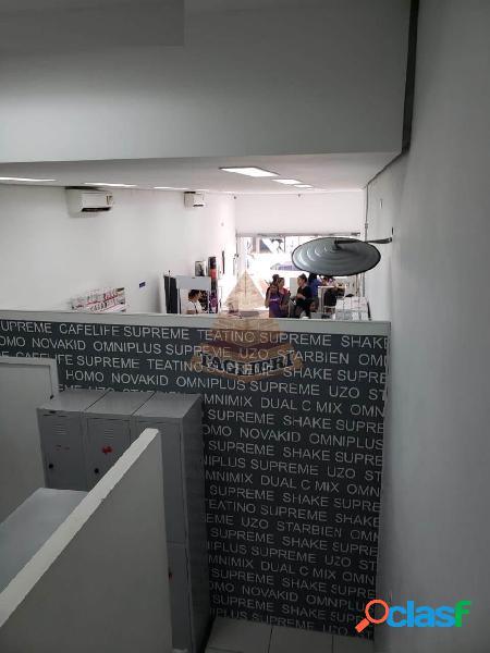 Prédio comercial rua tuiuti com elevador - ao lado metrô tatuape