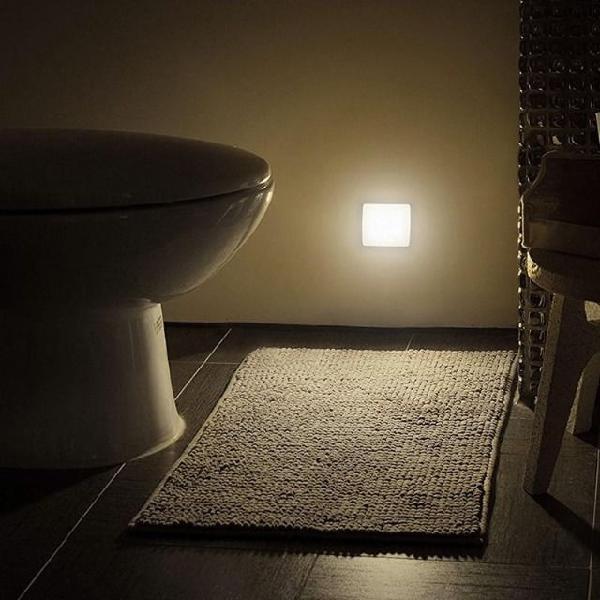 Luz de led noturna com sensor de movimento *novo