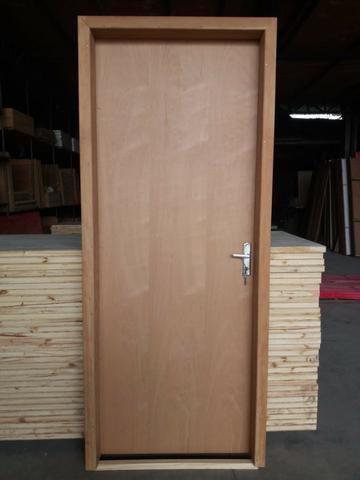 Porta interna pronta p/ instalação porta 80x210 caixilho