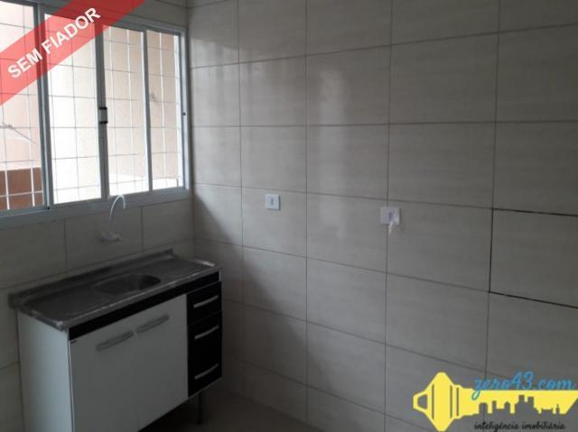 Aluga casa geminada com 2 quartos no residencial loris