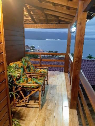 Casa aconchegante com linda vista ao mar !!