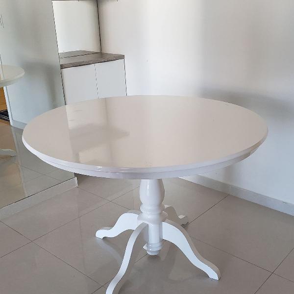 Mesa redonda branca provençal madeira