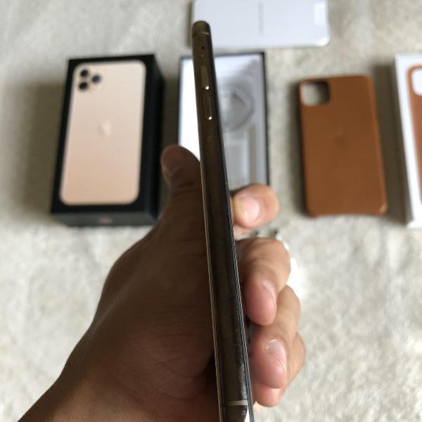 Iphone 11 pro max 256 gb + case de couro