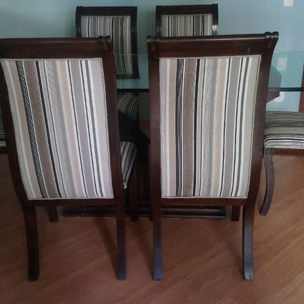 Mesa de jantar com 6 cadeiras estofadas madeira maciça