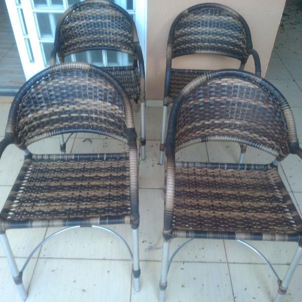 Mesa e 4 cadeiras de alumínio e