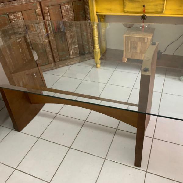 Mesa madeira tampo vidro retangular
