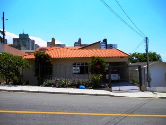 Casa rua santa clara, 718 e 732, areias, são josé/sc