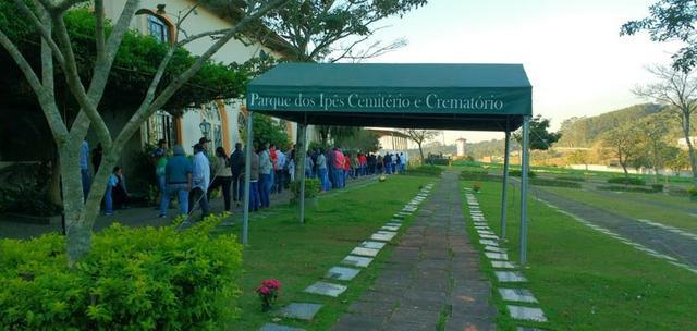 Jazigo 6 gavetas novo em área nobre do cemitério