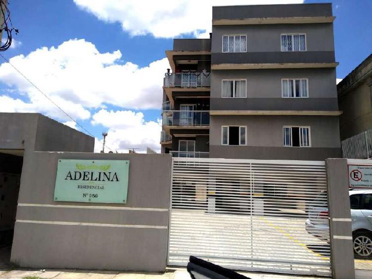Apartamento semimobiliado com 3 dormitórios e ampla sacada.