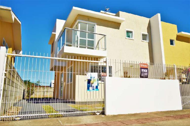 Casa três quartos no bairro campeche em florianópolis sc