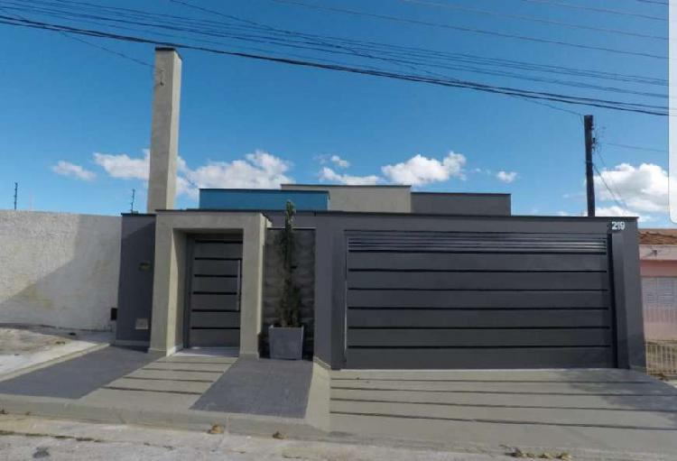 Linda Casa Terrea com 3 Suites espaço Gormet 06 Vagas