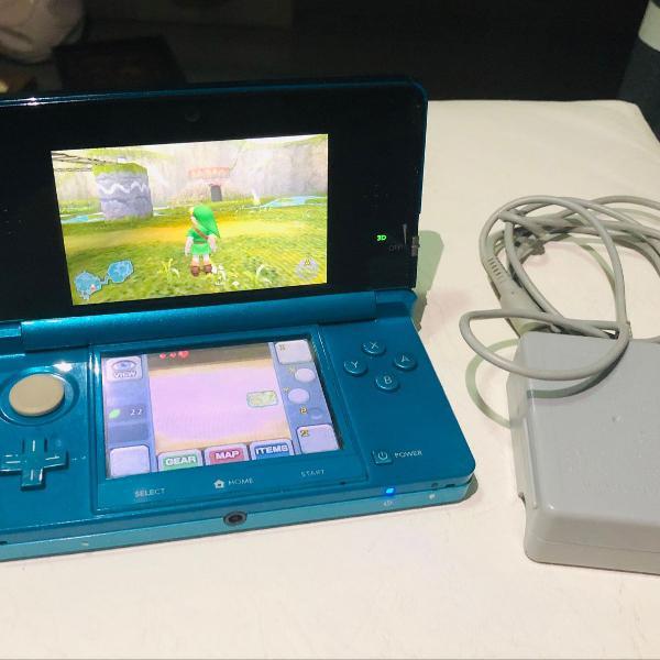 Nintendo 3ds + case + zelda + mario