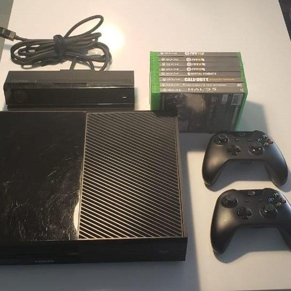 Xbox one 500gb + 2 controles + kinect + 9 jogos