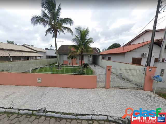 Casa 03 dormitórios (suíte), venda direta caixa, bairro centro, tijucas, sc