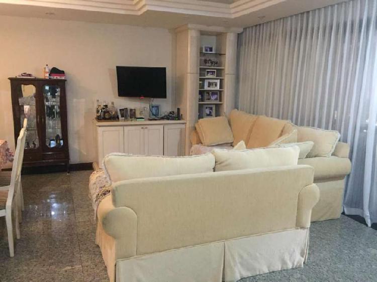 Apartamento para aluguel com 168 m² com 3 quartos em barra