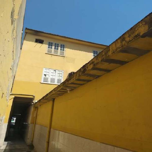 Edifício residencial/comercial para venda tem 570 m ²em