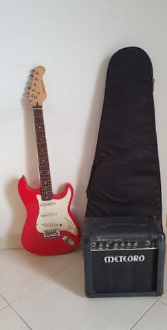 Guitarra sonic e caixa amplificadora meteoro