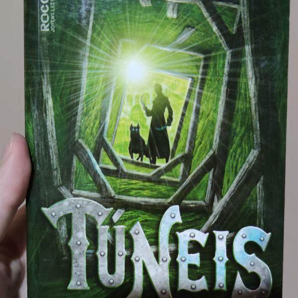"Livro ""túneis"""