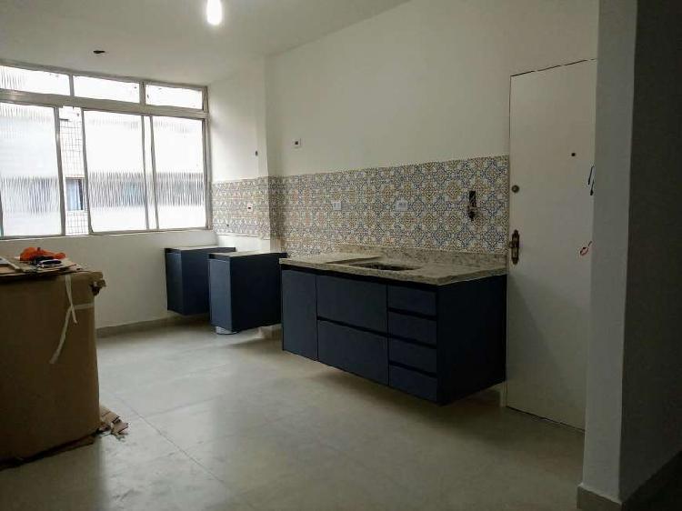 Apartamento 2 dorm 150m da praia, entre tombo e astúrias