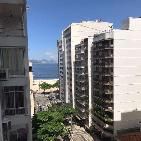 Apartamento com 3 quartos na quadra da praia de icaraí