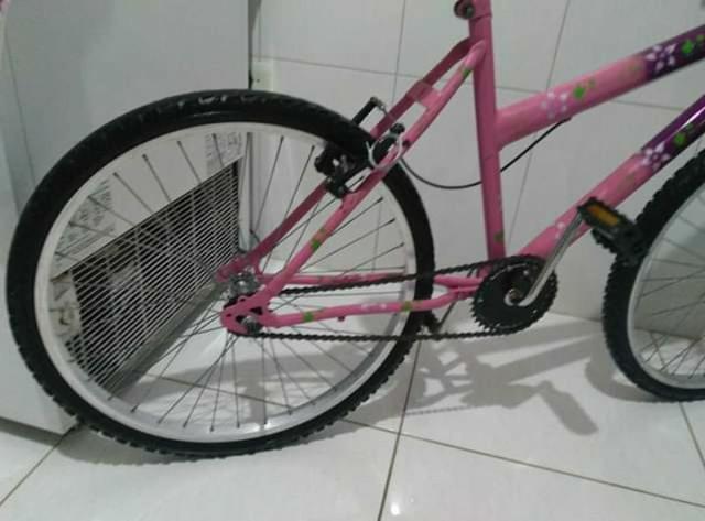 Bicicleta aro 24 feminina em (ótimo estado)