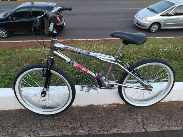 Bicicleta crosszinha aro 20 em excelente estado