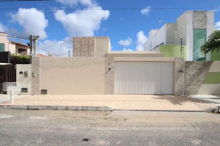 Casa a venda com 120 metros quadrados no bairro parque das